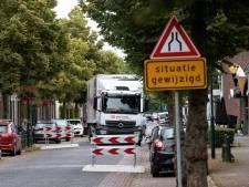 Tijdelijke chicanes in de Dorpsstraat maken de tongen in Aarle-Rixtel los