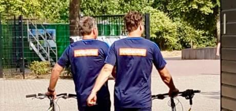 Voetbalhumor: Graafschap-spelers schroeven zadels van fietsen trainers