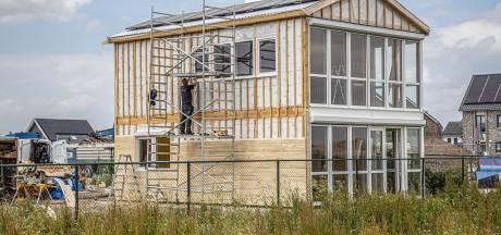 Woningnood in Zwolle: roep vanuit politieke partijen om nog sneller meer huizen te bouwen