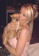 Mélissa en veut terriblement aux nombreux vétérinaires qu'elle a appelés ce soir-là. Selon elle, s'ils s'inquiétaient plus du bien-être des animaux et non de l'argent, son chien Chico serait encore vivant.