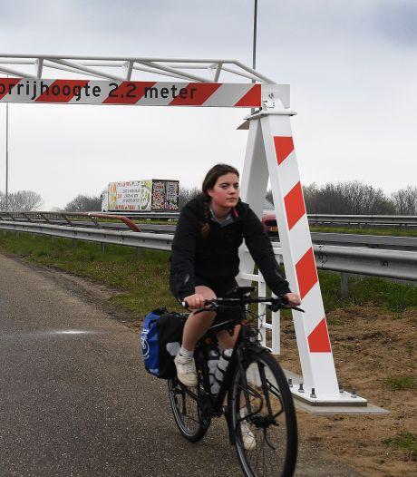 Stalen poorten moeten onverbeterlijke boeren tussen Cuijk en Heumen weren