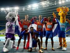 Estafettemannen grijpen uniek goud op WK, vrouwen pakken brons na trage wissel