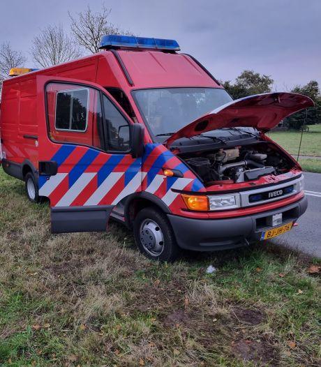 Brandweerbus vliegt in brand tijdens rijden, bestuurder was net op weg naar garage