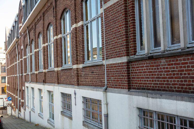 De lege schoolgebouwen van Regina Mundi zijn een van de mogelijke pistes.