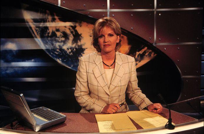 Pia Dijkstra toen ze nog het Journaal presenteerde.
