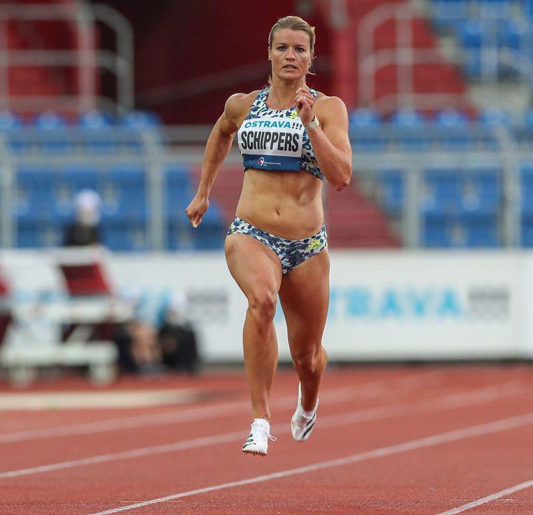 Dafne Schippers in actie op de 200 meter tijdens de Golden Spike Ostrava atletiekwedstrijd op 19 mei dit jaar. Beeld EPA