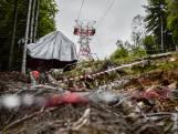 Italiaanse televisie deelt videobeelden van moment dat kabelbaan in Stresa naar beneden stort