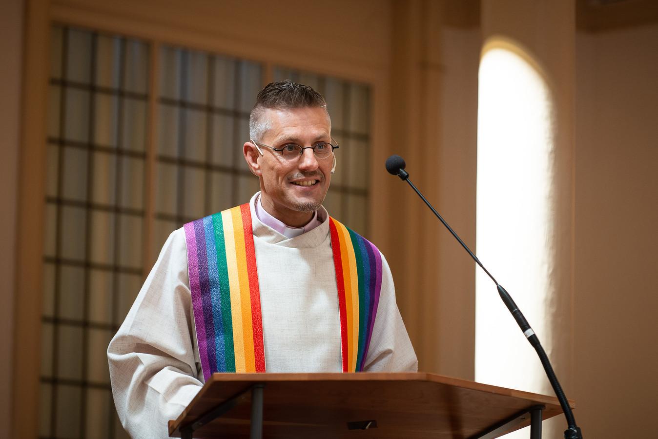 LHBTI-predikant Wielie Elhorst loopt dit weekend samen met twintig anderen voor het eerst de Pride Pelgrimage.