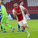 Klaas-Jan Huntelaar na zijn 150ste goal in de eredivisie, zaterdagavond tegen PEC.
