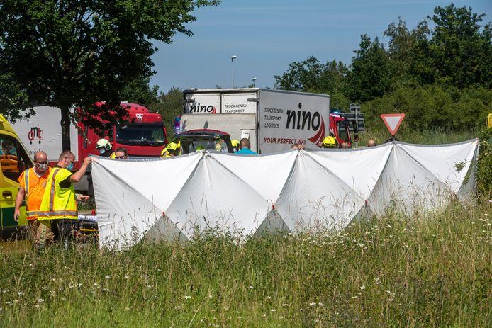 Tijdens de interventie werd het ongeval afgeschermd.