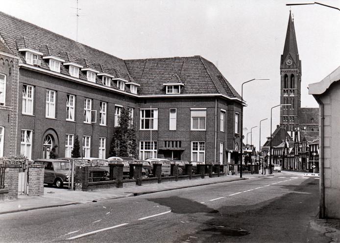 Het oude Sint Annaziekenhuis in Geldrop in de jaren zestig.