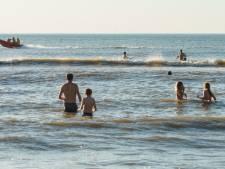 Uniek: Proef met speciale zone in zee Scheveningen voor badgasten