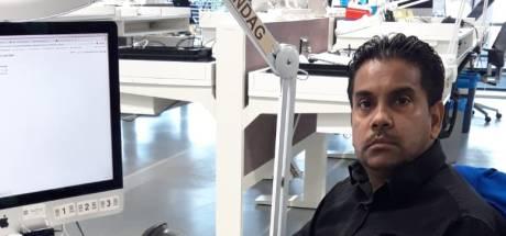 Fonkelnieuwe iPhone uit je handen laten vallen? Ferooz (45) krijgt hem weer aan de praat