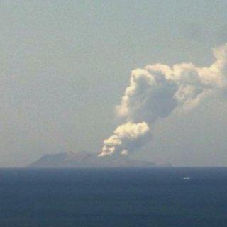bij-vulkaanuitbarsting-nieuw-zeeland-minstens-een-dode