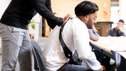 Stad stuurt speelpleinwerkers op EHBO-cursus