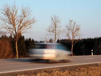 Bestuurder rijdt 140 km/u in zone 70: rijbewijs meteen ingetrokken