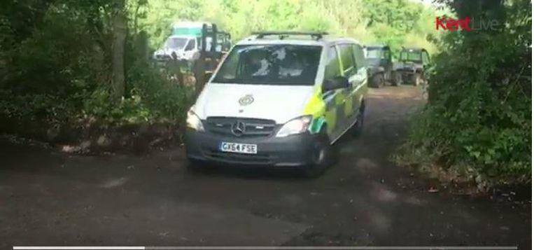 Een man overleed, een vrouw werd bewusteloos overgebracht naar het ziekenhuis. Beeld Kent.Live / Twitter