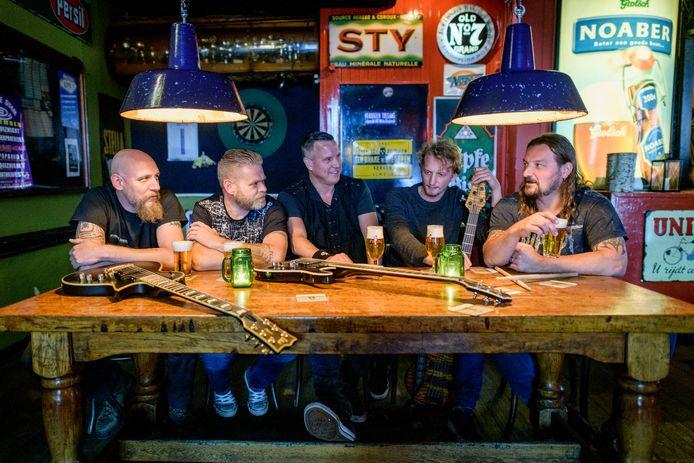 Rockband Back from the Ashes heeft een programma vol verrassingen tijdens de Samenloop voor Hoop.