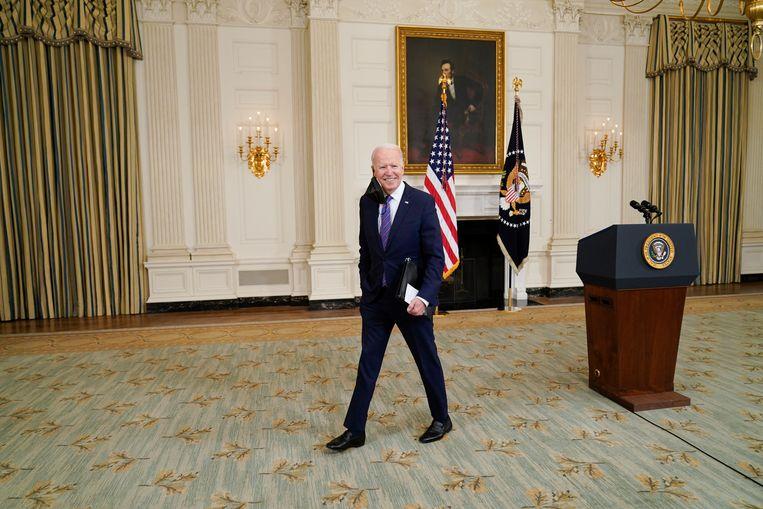 Joe Biden: 'Dit is een investering in Amerika die je slechts één keer per generatie maakt.' Beeld AP
