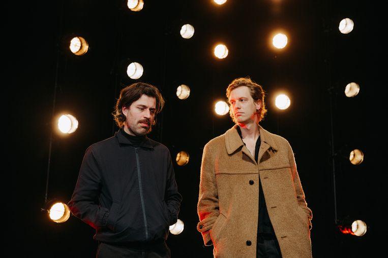 Maarten Devoldere en Jinte Deprez van Balthazar. Beeld Illias Teirlinck