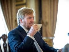Koning Willem-Alexander breekt vakantie Griekenland af na ophef, Rutte wist van vliegreis