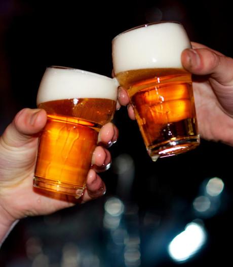Twaalf jonge drinkers gepakt bij controle in Veenendaal