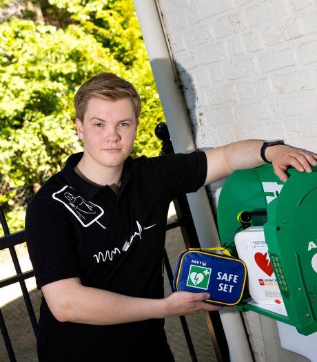 Stef verlengde vijf levens door reanimatie: 'Als ik van huis ga, neem ik altijd mijn AED mee in een rugzak'