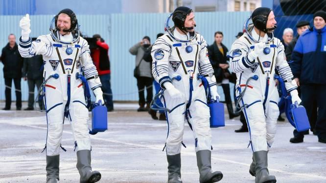 Amerikaan, Brit en Rus terug na maandenlang verblijf in ruimte