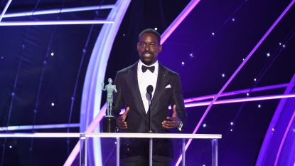 Sterling K. Brown schrijft geschiedenis als eerste Afro-Amerikaanse acteur met SAG Award en Golden Globe