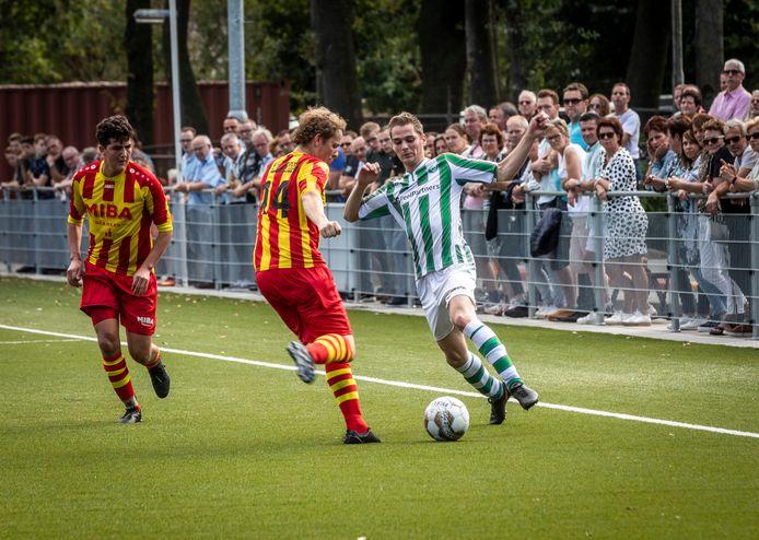 Gert Swinkels scoorde een hattrick voor Neerkandia.
