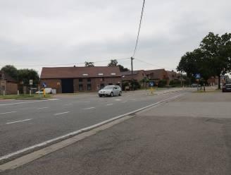 Kruispunt Ninoofstesteenweg met Zwartschaapstraat wordt heringericht mét verkeerslichten