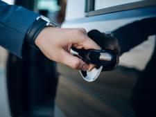 Taxichauffeur (59) mag vak niet meer uitoefenen en moet cel in na aanranden vrouwen in auto