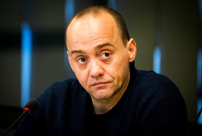 Paul Vugts tijdens een rondetafelgesprek in de Tweede Kamer over de bedreiging en bescherming van journalisten.