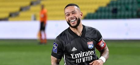 Olympique Lyon blijft dankzij treffers Memphis Depay meedoen om de titel