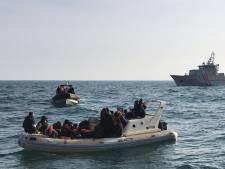 Franse kustwacht onderschept 71 migranten in bootjes op Kanaal