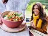 """Sandra Bekkari's favoriete herfstrecepten: """"Kip in pindasaus is onze gezinsfavoriet"""""""