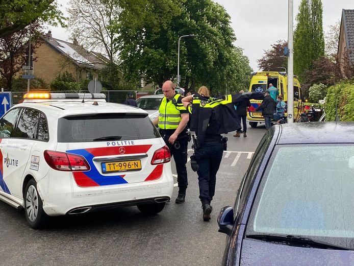 Er leek wat chaos te ontstaan op de Oerdijk na de aanrijding van de fietser doordat er ook wegwerkzaamheden plaatsvonden.