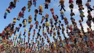 980 gehaakte popjes symboliseren evenveel pleegkinderen die nog een thuis zoeken