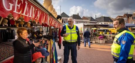 Met Lientje (73) van de 'niet-essentiële' horloges is weekmarkt Steenwijk weer compleet: 'Even slikken'