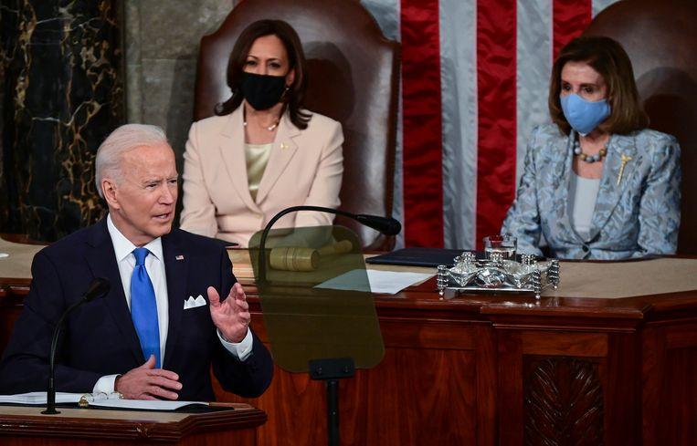 President Joe Biden tijdens zijn eerste toespraak voor het congres. Beeld AP