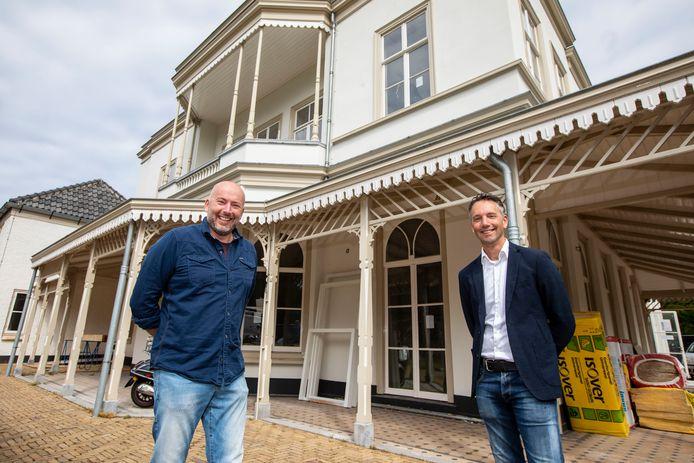 Raymond Talsma (links) en Leon Harinck van House of Lords gaan met Villa Ockenburgh BV de horeca voor hun rekening nemen op de buitenplaats tussen Westland en Den Haag.