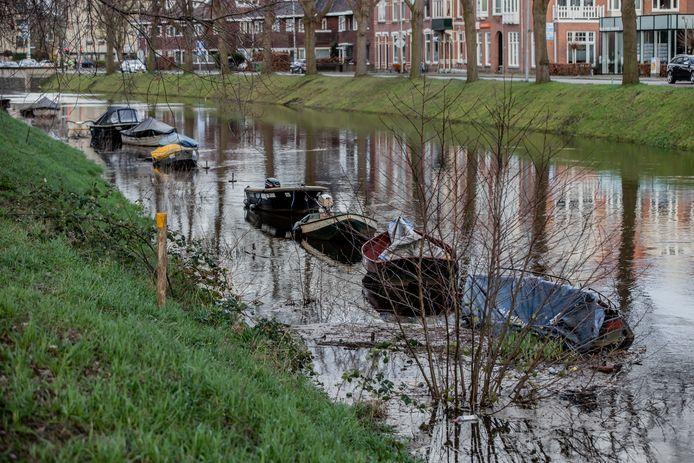 BREDA - Een bootje op de Bredase singel wordt een dure hobby.