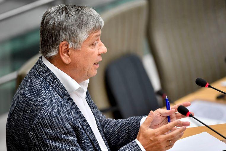 Vlaams minister van Welzijn Jo Vandeurzen (CD&V) steunt de nieuwe behandelvormen en mikt op minstens 10 groepstrainingen in 2019 en minsens 40 trainingen in 2020.