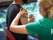 LIVE | Eén derde van de wereld is gevaccineerd, grote delen Nederland rood op Europese kaart