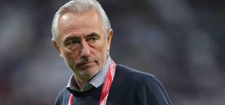 Van Marwijk mag met Emiraten na fraaie eindsprint blijven dromen van WK