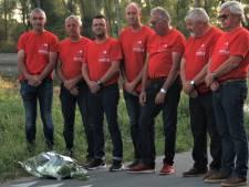 Dudzelenaars leggen bloemen aan plek waar ex-renner Chris Anker Sørensen overleed
