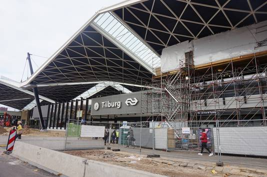 Station Tilburg komt in maart weer uit de steigers, maar dan volgen er nog jaren werk.