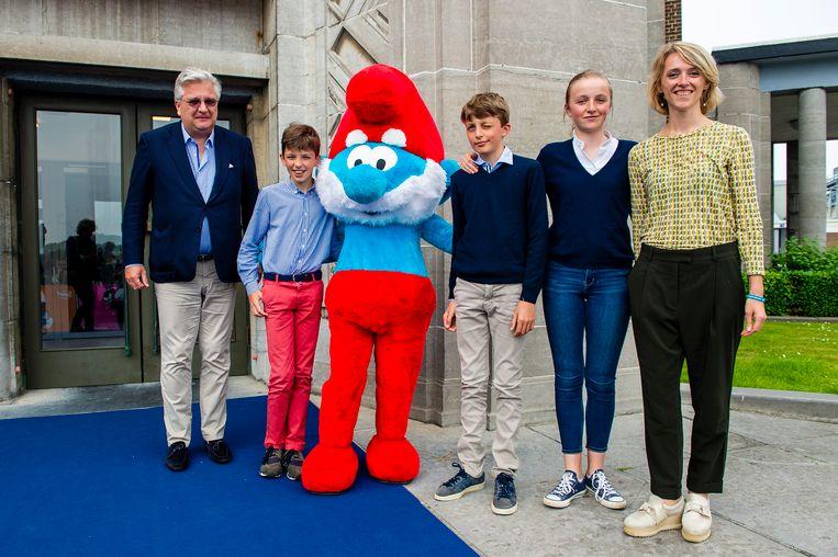 Prins Laurent met zijn kinderen Nicolas (12), Aymeric (12) en Louise (14).