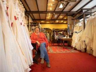 """Maya (70) stopt na 46 jaar met bruidswinkel: """"Tijd om van pensioen te gaan genieten"""""""