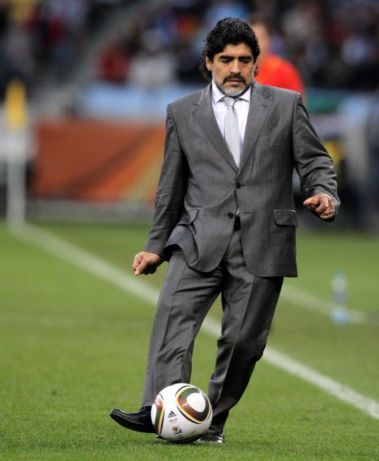 Maradona als coach van het Argentijnse elftal op de wereldkampioenschappen in Zuid-Afrika, in 2010. <br /> Beeld null